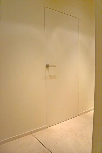wandbündige Türen